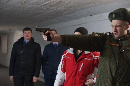 В Петербурге военкоматы отметили 100 лет и перестреляли друг друга